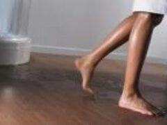 Пол под ванной