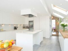 Потолки из гипсокартона для кухни: фото примеры и советы по выбору стиля
