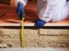Утепление пола в деревянном доме снизу: материалы и технология монтажа