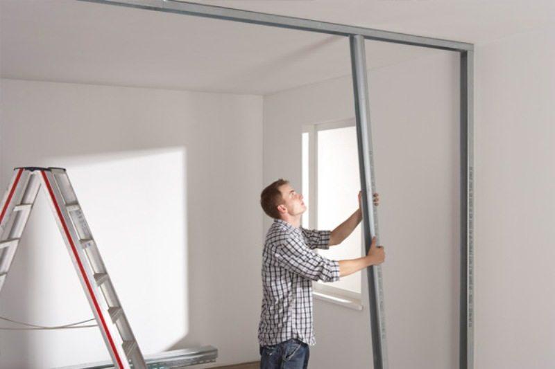 Шаг 4: вертикальная установка профилей с шагом 60 см