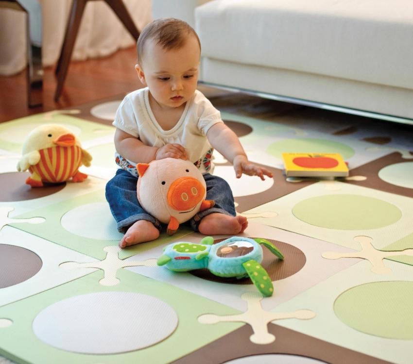 Полимер, из которого изготовлен коврик, обладает теплоизоляционными качествами
