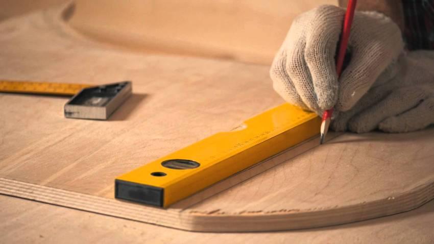 Фанера широко используется в строительных, ремонтных и отделочных работах
