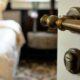 Ручки для дверей межкомнатных: характеристика и разновидности изделий