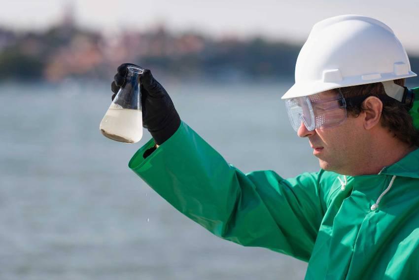 Правильный забор воды - это один из самых важных этапов исследования