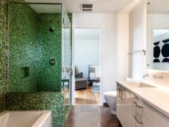 Стеклянные двери для душа: залог уюта, комфорта и красоты