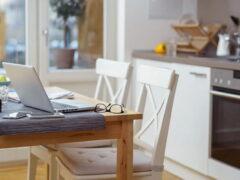 Маленький кухонный стол для маленькой кухни: эффективная оптимизация пространства