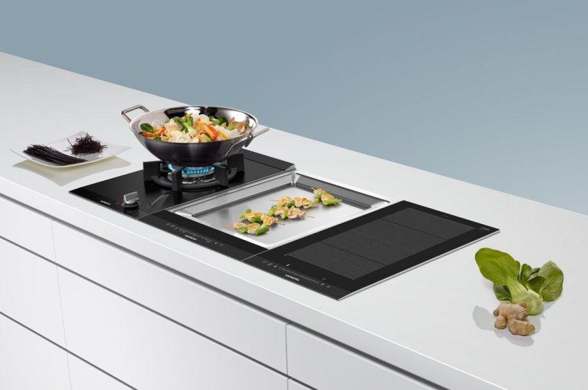 Лучшей индукционной варочной панелью 2018 года формата «домино» считается модель Siemens EX375FXB1E