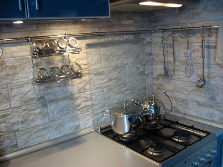 """Кухня в """"хрущевке"""" 6,75 кв. метров - вариант дизайна интерьера"""