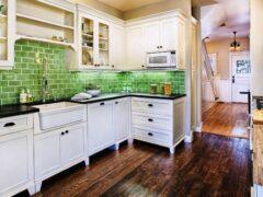 Кухонный угловой гарнитур: оригинальное решение для небольшой кухни
