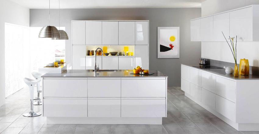 Потолок на кухне должен быть выполнен в светлых тонах (белый, оттенки серого или бежевого)