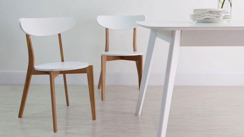 Кухонный гарнитур для кухни в стиле минимализм должен быть выполнен без декора и фрезеровок