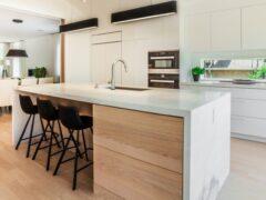Белая кухня: фото классических и современных вариантов оформления