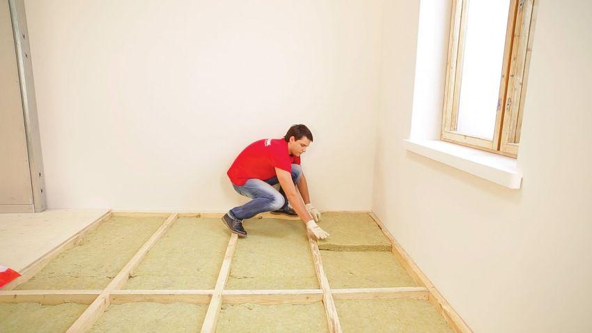 Обустройство двойного настила для утепления, лучше производить в помещениях с высокими потолками