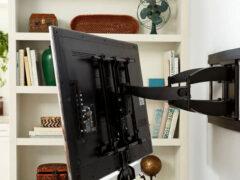 Как повесить телевизор на стену: советы по проведению грамотного монтажа