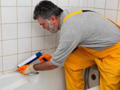 Герметик для ванной: универсальный материал в решении многих задач