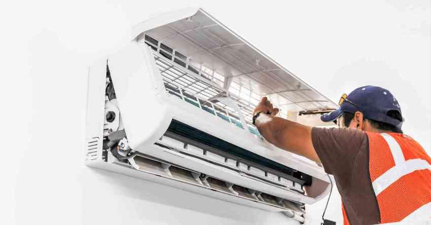 Самым частым способом чистки кондиционера является пенная промывка