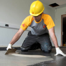 Ремонт бетонного пола: особенности процесса реставрации и полной замены стяжки