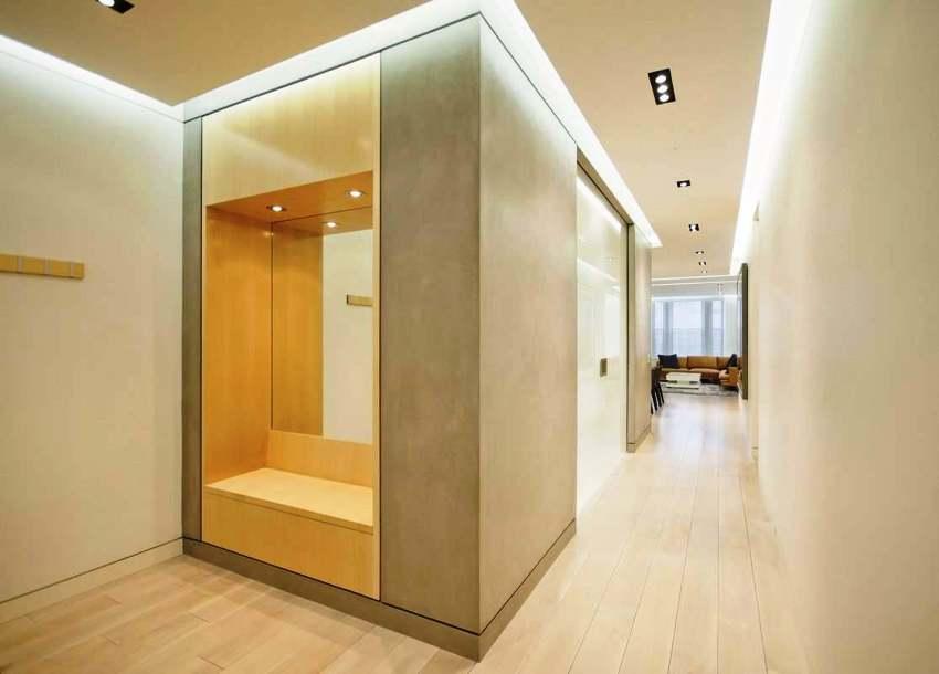 Даже на небольшую площадь, будь то коридор, санузел, кухня или может быть офис матовый натяжной потолок подходит как нельзя лучше