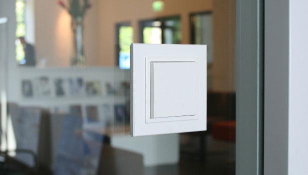 выключатель света без проводов настенный