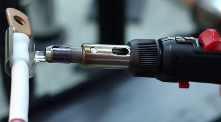 усадка термокембрика газовым паяльником