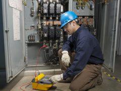 Проверка изоляции кабеля мегаомметром