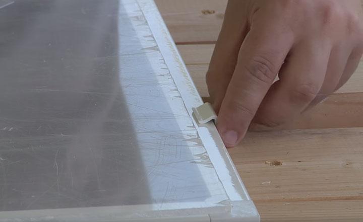 разметка стекла под вывод мобильного кондиционера