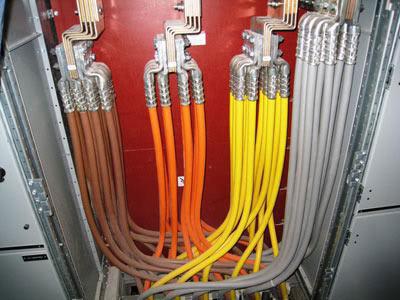 обозначение цветом фазных нулевых и заземляющих проводов кабелей