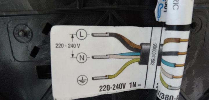 как правильно подключить фазу и ноль на вилке