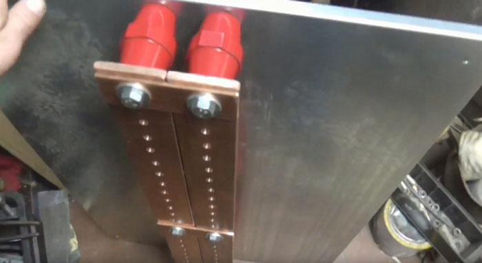 подключение труб хомутами к системе заземления