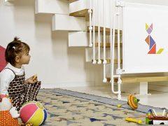 Детское ограждение для лестниц: конструкция для комфорта ребенка и родителей