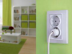 Идеальное количество розеток и выключателей в квартире — на кухне, в спальне, в ванной, в гостиной.