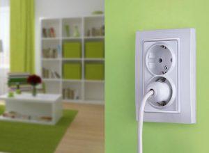 Идеальное количество розеток и выключателей в квартире – на кухне, в спальне, в ванной, в гостиной.