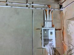 Крепление электрощита в стене — Порядок работ