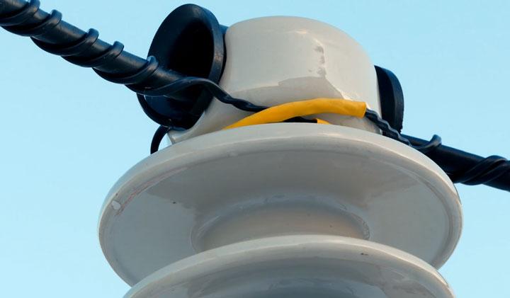 спиральные вязки установленные на изоляторы IF27
