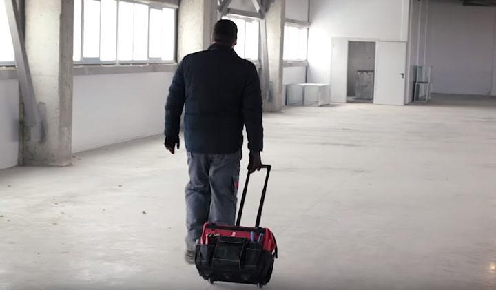 сумка для инструмента с колесами и ручкой