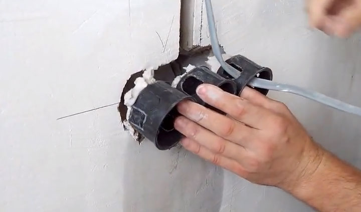 порядок монтажа подрозетника в бетонную стену