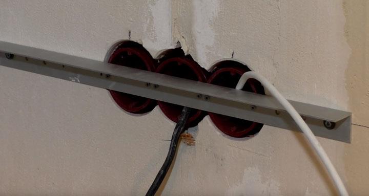 самодельный шаблон для установки подрозетников в большие ниши