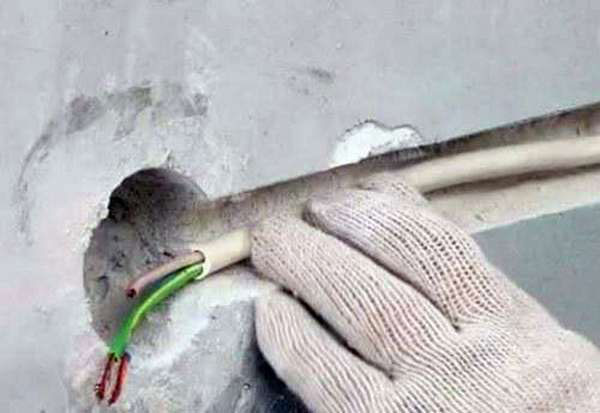 кабель ПВС почему нельзя прокладывать даже в гофре