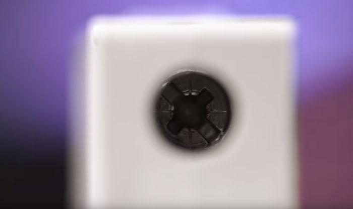 какой битой или отверткой электрика затягивать винты на автоматах