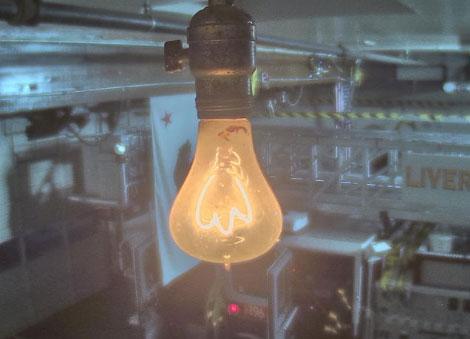 100 летняя лампочка