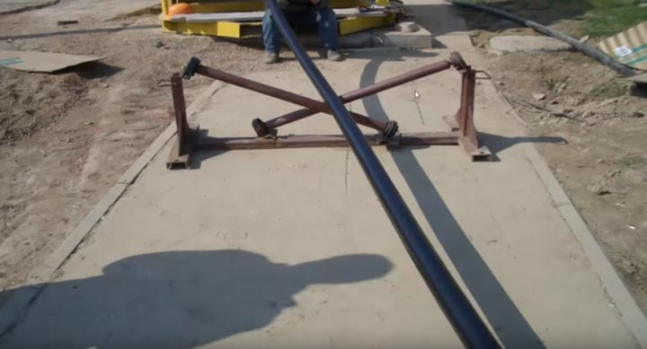приемный ролик устанавливаемый возле барабана с кабелем из сшитого полиэтилена