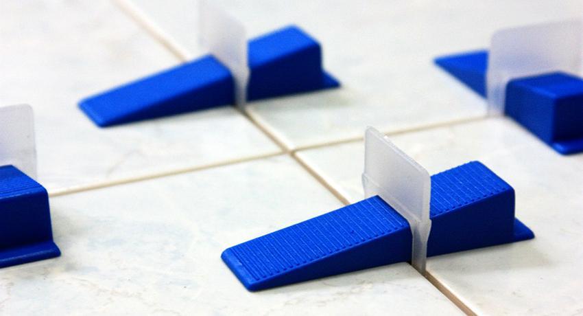 Монтажные клинья: разновидности и особенности применения
