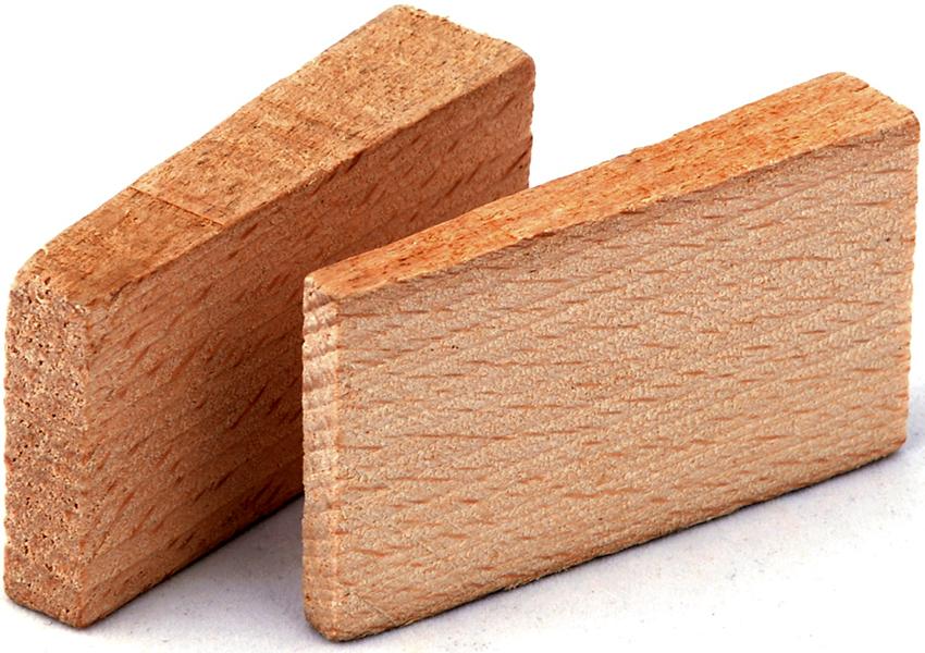 Для укладки пола на лагах подходят деревянные и пластиковые клинья