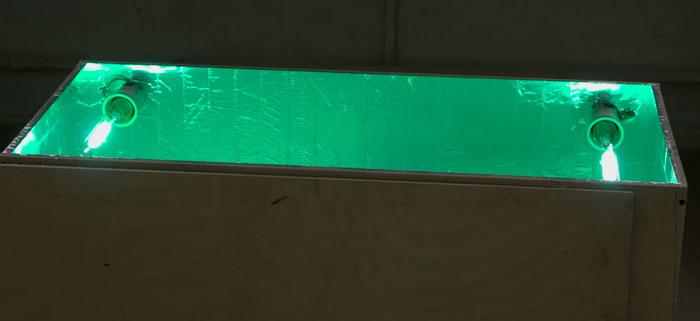 ящик для искусственного состаривания вещей под ультрафиолетом