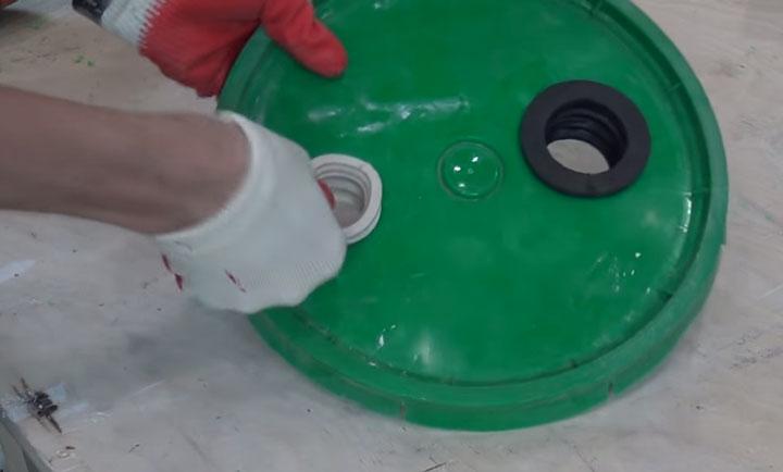 как сделать крышку для ведра самодельного строительного пылесоса