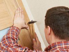 Наличники на деревянные двери: нюансы выбора и особенности монтажа